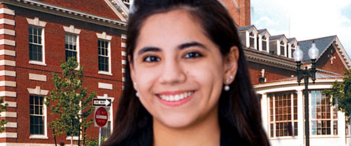 Dafne Almazán apenas tiene 17 años, pero ya estudiará un posgrado en Harvard