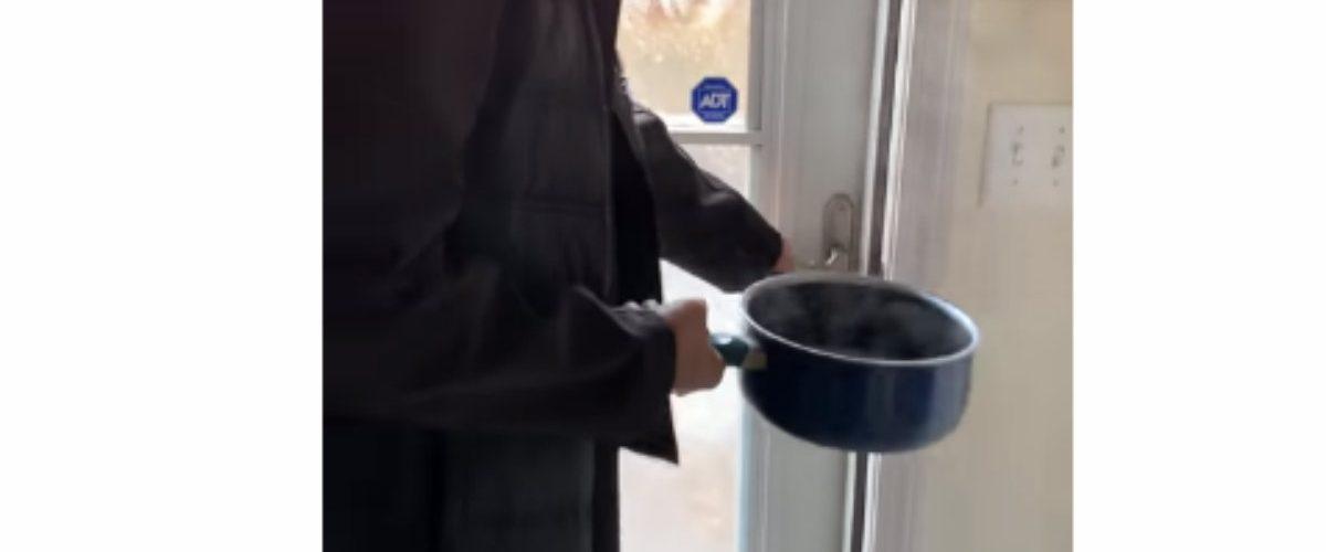 El frío en EU desató un reto viral que está mandando a la gente al hospital