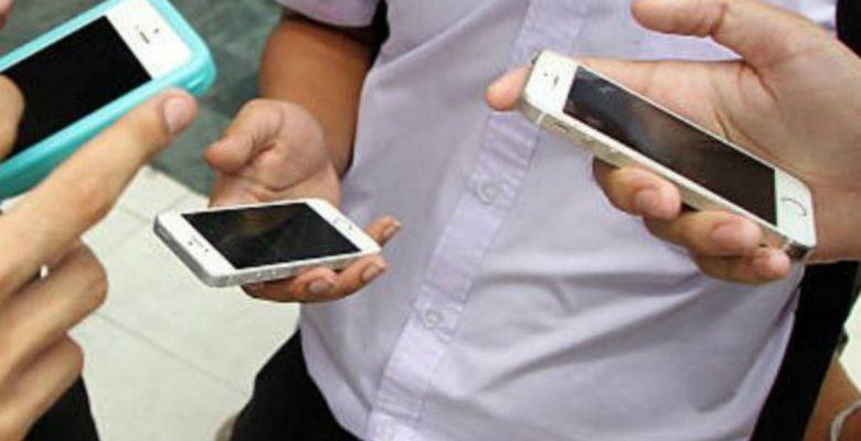 ¿Usas mucho el celular? Cuidado con estos padecimientos