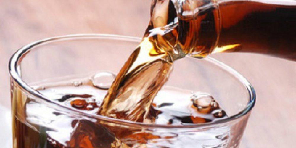 UNAM revela las graves enfermedades que pueden causar los refrescos de cola