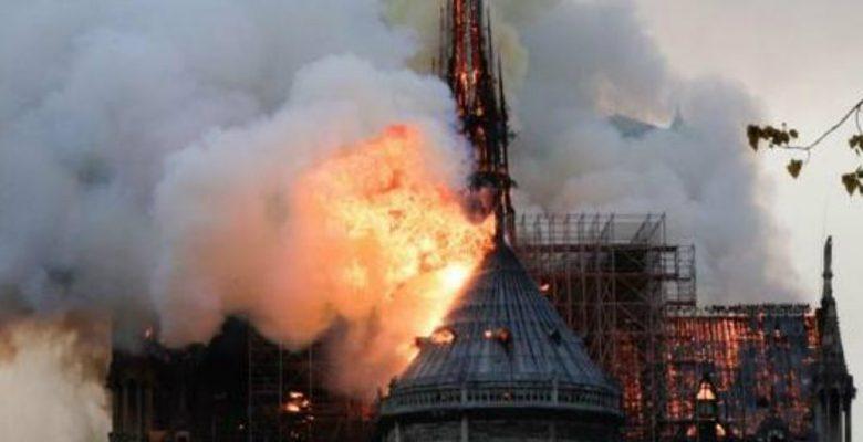 Las imágenes más impactantes del incendio en la Catedral de Notre Dame