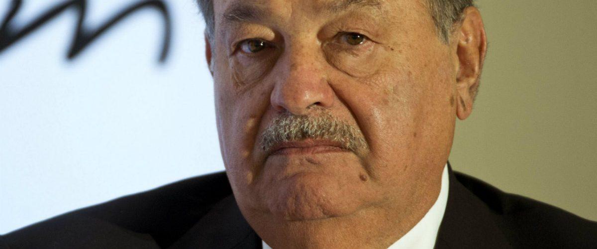 Azcárraga y Megacable le arrebatan sus principales clientes a Slim