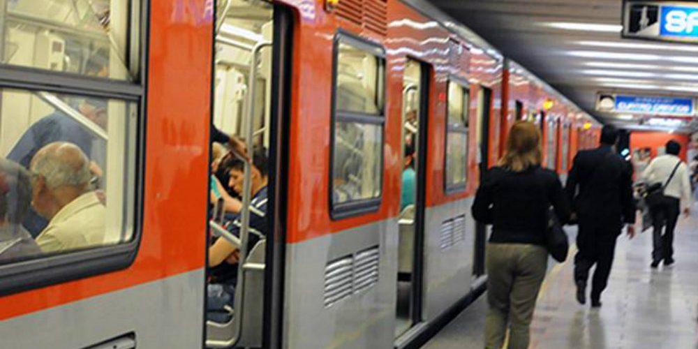 Reportan retrasos en el metro porque lanzaron a policía a las vías