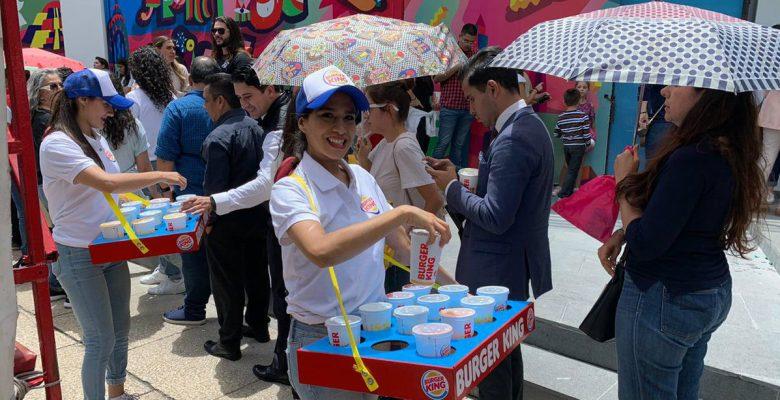 Shake Shack se lanza contra Burger King por regalar refrescos en su inauguración