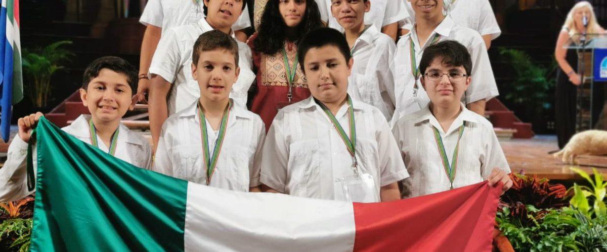 Niños a los que patrocinó del Toro ganan 8 medallas en campeonato de matemáticas