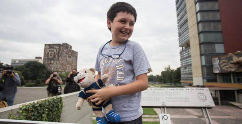 Niño genio denuncia campaña de desprestigio en redes organizada por maestro de la UNAM
