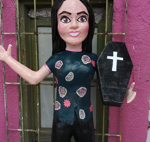 Sacan a la venta piñatas de Sarita y son todo un éxito