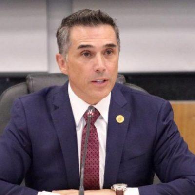 Acusan al diputado Sergio Mayer de cobrar las regalías de José José en redes sociales