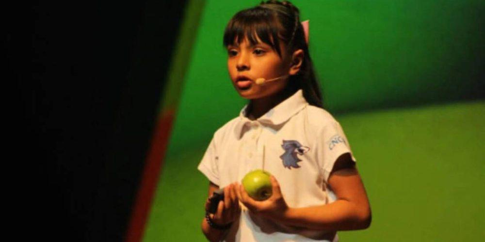 Niña mexicana tiene un IQ superior al de Einstein y estudia dos carreras