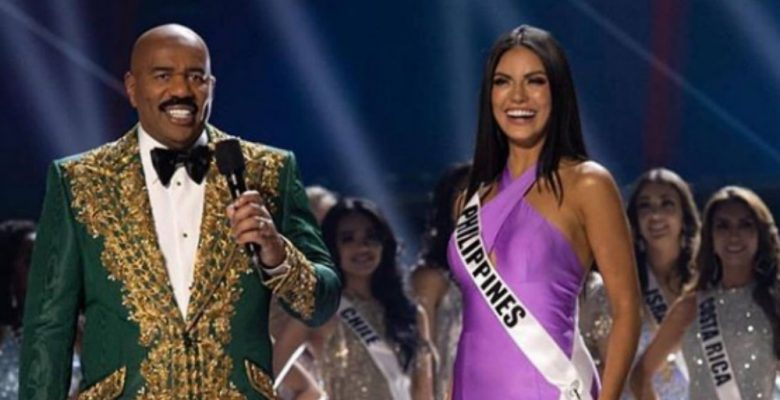 Conductor de Miss Universo otra vez confunde a la ganadora