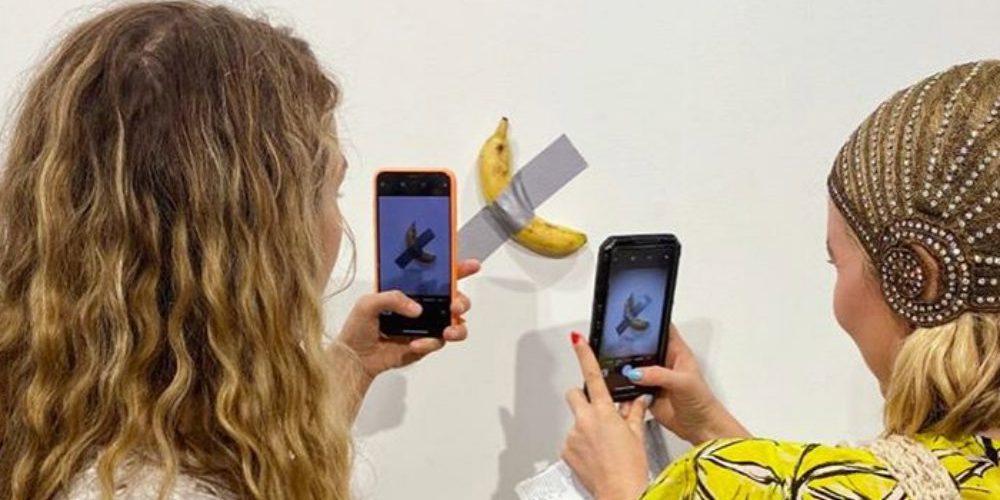 Galería de arte vende un plátano en 120 mil dólares y ya hay compradores