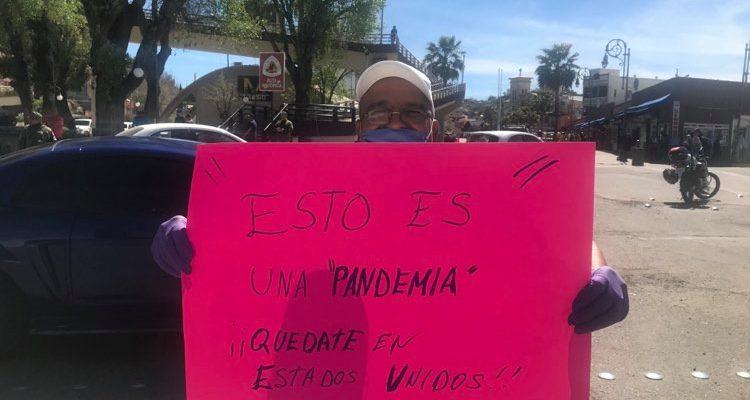 Mexicanos bloquean frontera con EU para evitar contagios de Covid-19