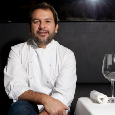 Chef mexicano recauda dinero para migrantes sin servicios de salud