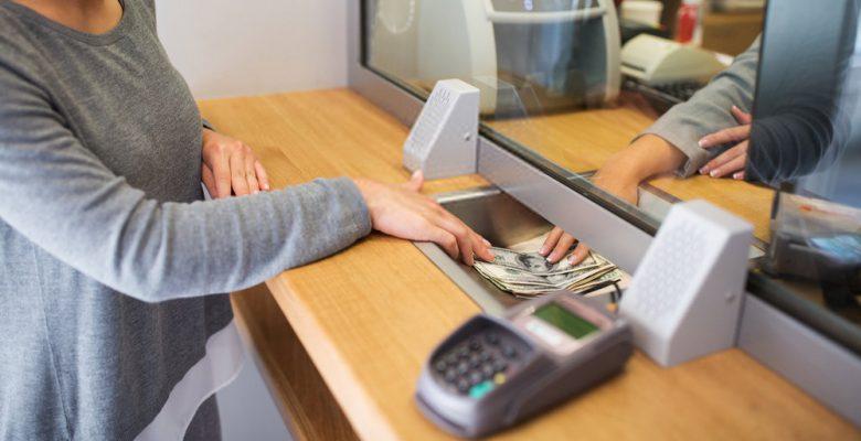¿Tienes que declarar al SAT depósitos de más de 5 mil pesos?