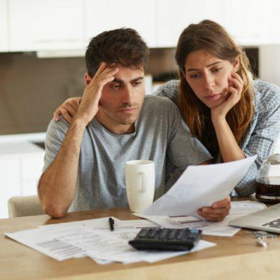 Tips para evitar el estrés por deudas y mejorar tu economía