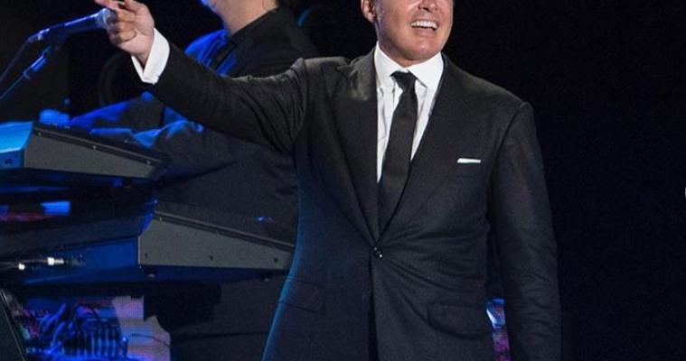 Luis Miguel publica dueto junto a Céline Dion