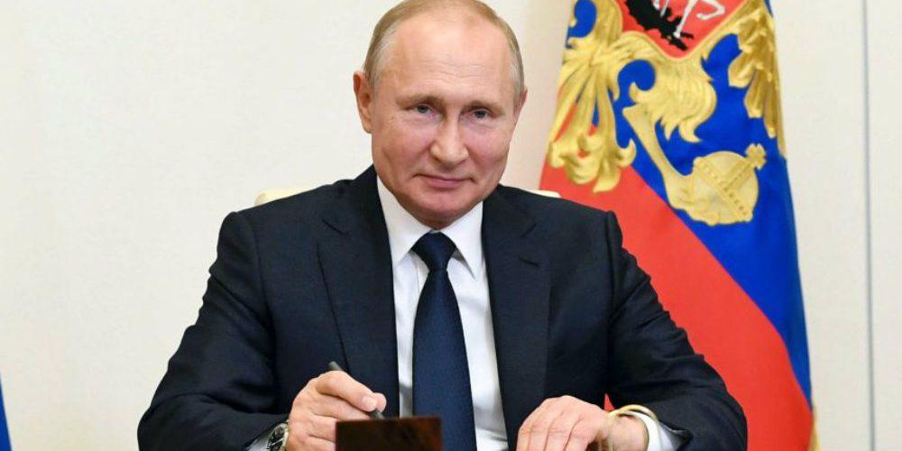 Esperan permisos para traer vacuna rusa a Latinoamérica