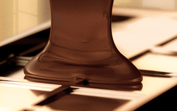 Falla en fábrica de Lindt causa una lluvia de chocolate