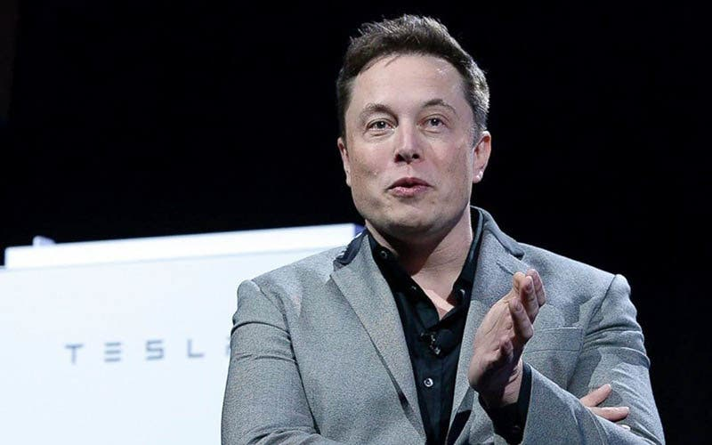 Elon Musk se lanza contra Gates y se niega a ponerse la vacuna de COVID-19
