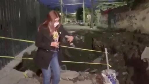 Camarógrafo se cae a un socavón en transmisión en vivo