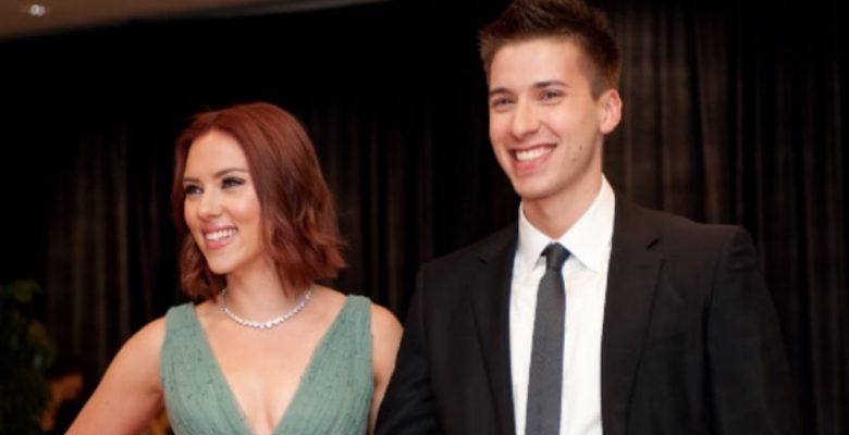 El hermano gemelo de Scarlett Johansson que pocos conocen