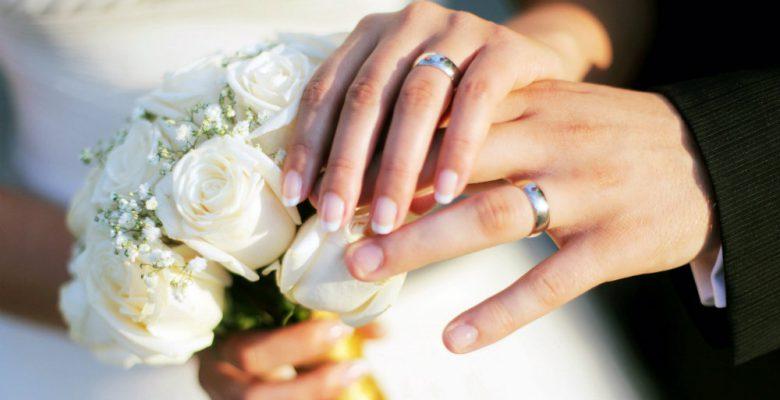 Demanda a su novio por no pedirle matrimonio en ocho años de relación