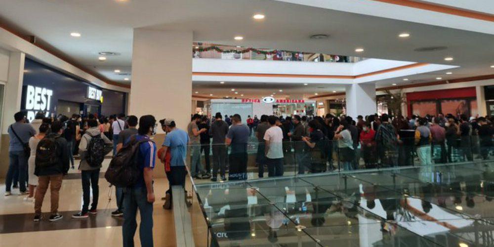 Best Buy inicia venta de liquidación y clientes abarrotan las tiendas