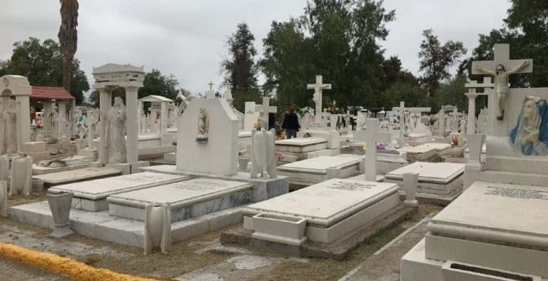 Mujer ocultó a su familia que tenía Covid-19 y todos fallecieron