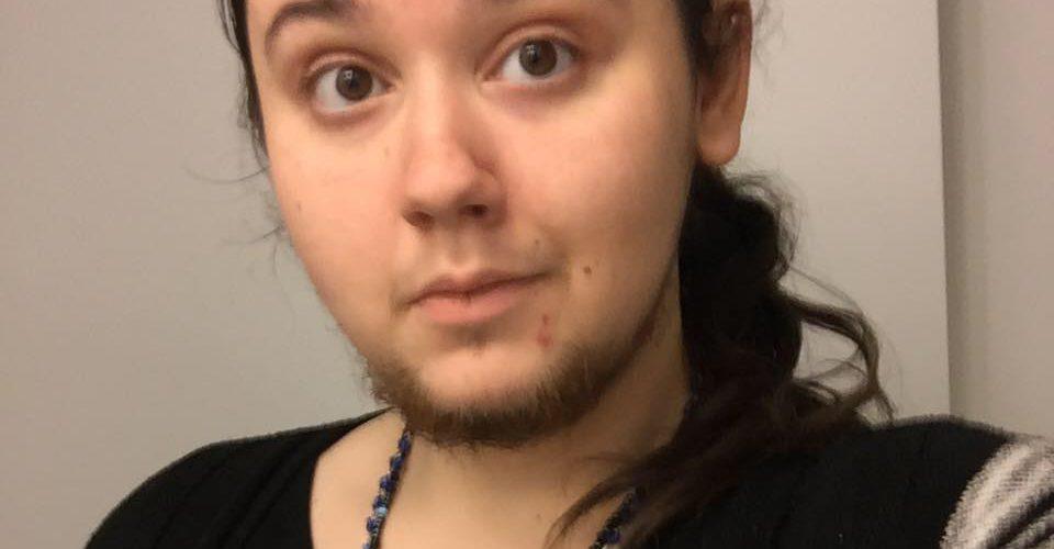 Mujer se deja crecer la barba por 12 años pese a las críticas