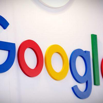 Joven muestra truco para averiguar lo que Google sabe de ti
