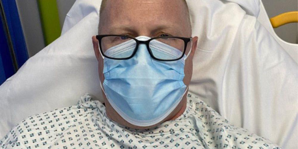 Hombre sufre infarto por exceso de trabajo y comparte su experiencia