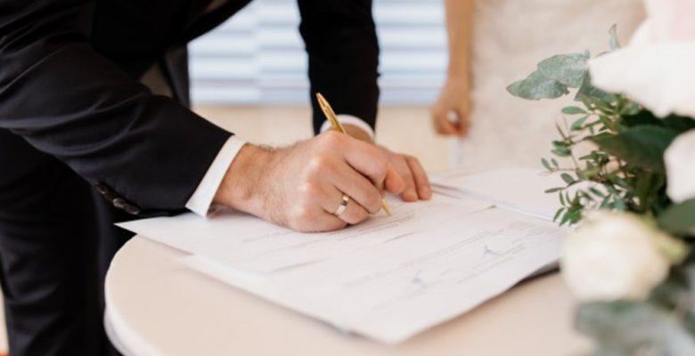 Hombre se casa cuatro veces en un mes para tener más vacaciones pagadas