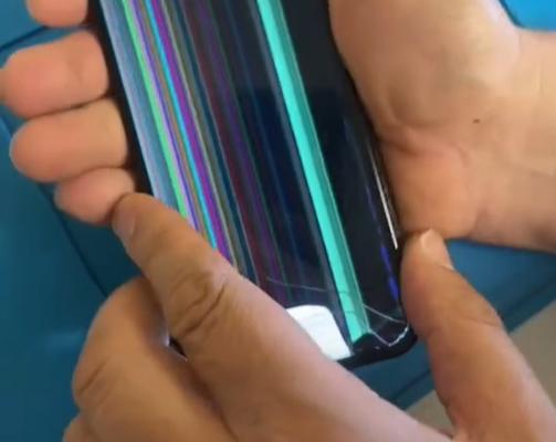 Le paga a técnico para que no repare su celular y no lo revise su esposa
