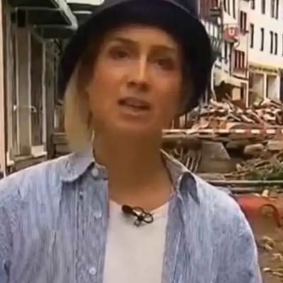 Reportera se embarra lodo para aparentar que ayudaba en inundaciones