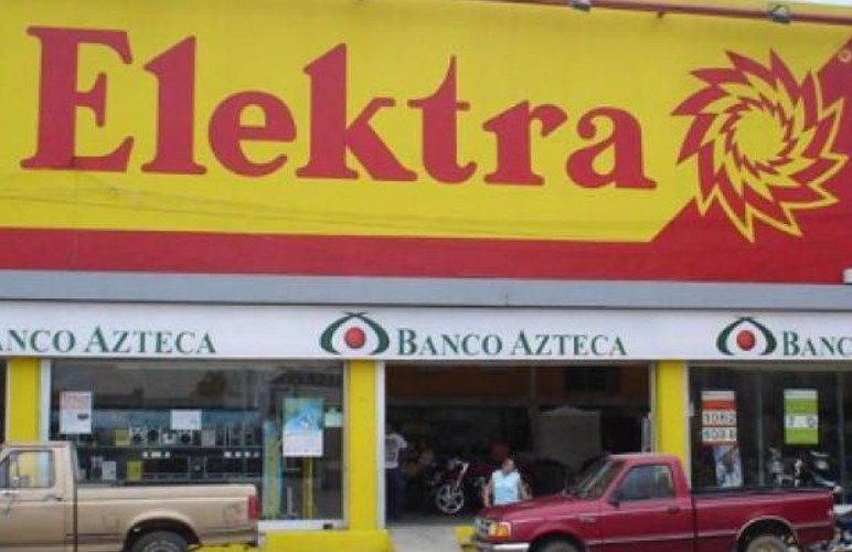 Salinas Pliego felicita a clienta que ganó demanda a Elektra y los embargó