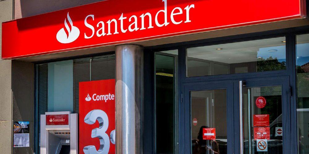 Clienta gana demanda a Santander y deberán regresarle más de 70 mil pesos